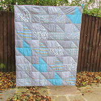 Unisex baby or toddler quilt