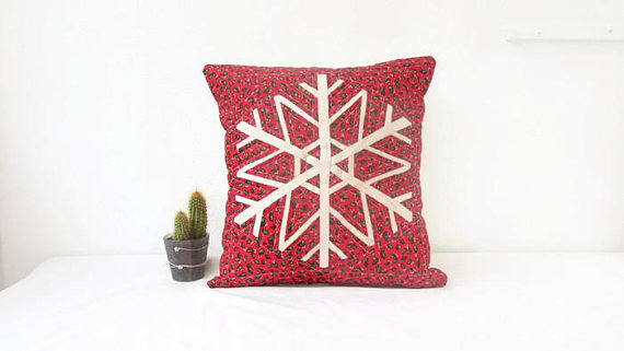 Christmas cushion cover, patchwork snowflake on red background