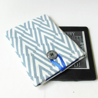 Kindle paperwhite sleeve in grey hand printed fabric