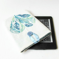 Hand embroidered kindle case, feather heart embroidery