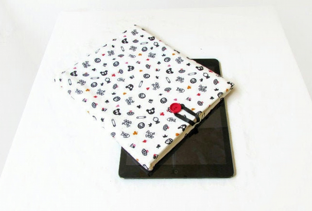 10 inch tablet case in Alice in Wonderland fabric - IPad, Kindle DX