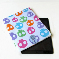 10 inch IPad case in bright skull print fabric - Kindle DX or Galaxy S6