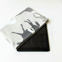 10 inch IPad sleeve in horse print fabric - Kindle DX or Samsung Galaxy Tab S6