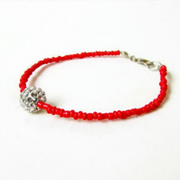 Beaded stacking bracelet - red and white