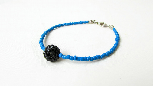 Beaded stacking bracelet - blue and black