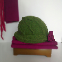 Cloche hat, vintage style in green felted wool with Harris Tweed trim