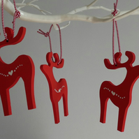 Set of 3 hanging reindeer decorations - red