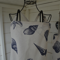 Apron in child and adult sizes. Can be personalised.