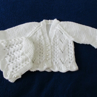 "14"" Newborn Lace Cardigan & Bonnet Set"