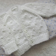 "14"" Newborn Baby Boys Knots Patterned Cardigan"