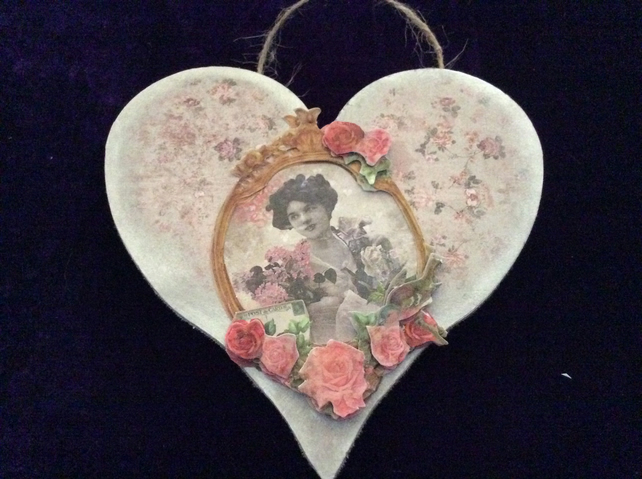 Heart plaque with vintage lady and roses.