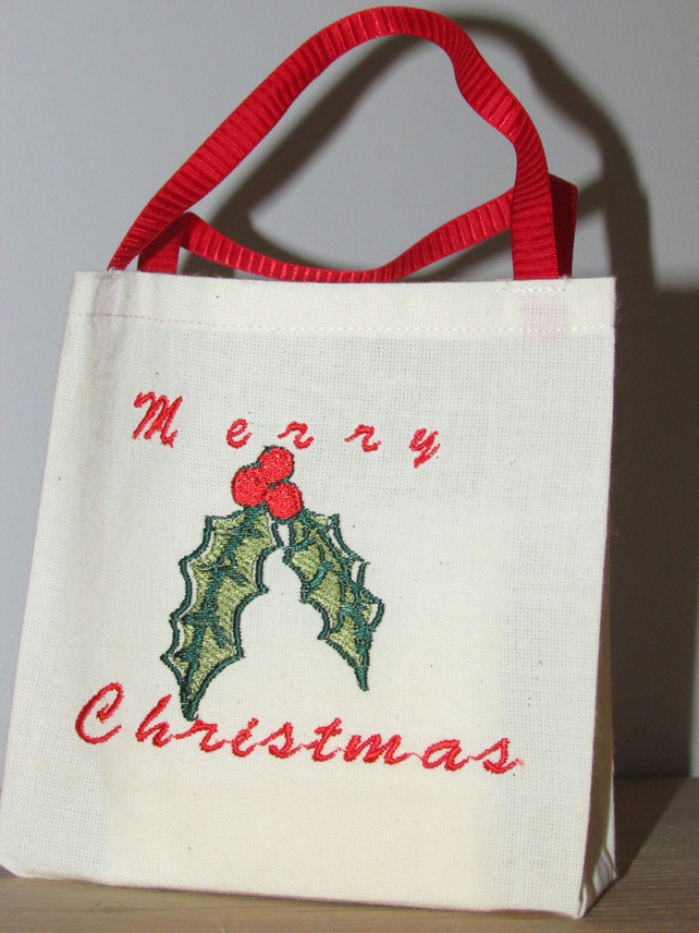 Merry Christmas Holly Gift Bag