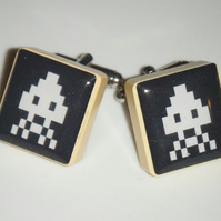 Space Invaders Black and White - Altered art scrabble tile Cufflinks