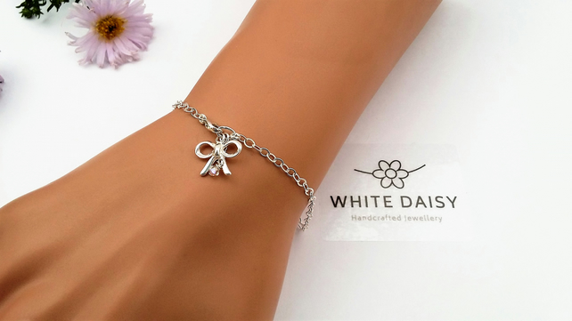 Sterling Silver Knot of Friendship or Bridesmaids bracelet..Or just because