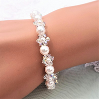 Sparkly Swarovski crystal and pearl bracelet