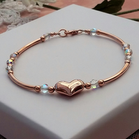 Rose gold heart bracelet with a sparkle of Swarovski crystal
