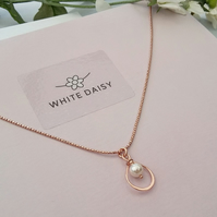 Rose Gold and Pearl Pendant