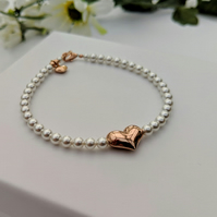 Pearl and Rose Gold Heart Bracelet