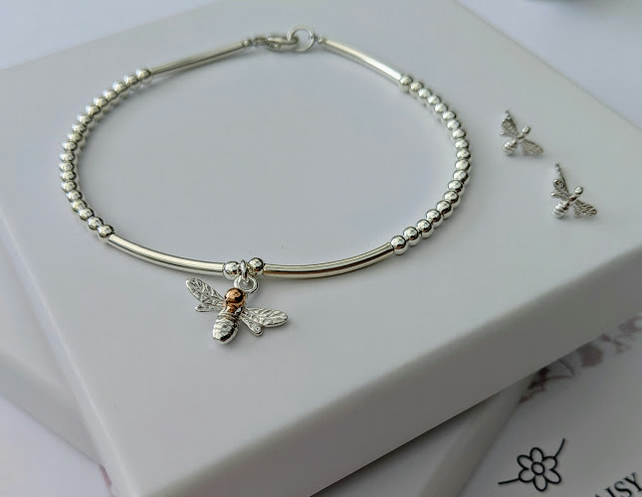 Bee charm bracelet with free bee stud earrings in sterling silver and rose gold