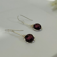 Earrings in sterling silver and blackberry colour coin pearls