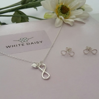 PRICE DROP Infinity necklace with free matching stud earrings