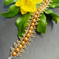 Gold glass beaded bracelet