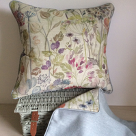 Cosy Hedgerow Scatter Cushion with Piping