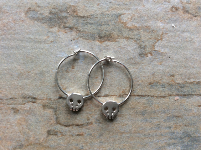 Sterling Silver Hoops with Skulls