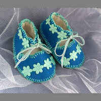 Forget-me-not 100% Wool Felt Baby Shoes. Lined.  Gift Boxed. 0-3 months OOAK