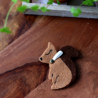 Felt Squirrel Brooch - Autumn - Christmas Stocking Filler