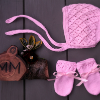 Baby Girl's Hand Knitted Lace Patterned Bonnet and Mitts 6-9 months