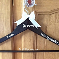 Personalised Groomsmen suit Hangers, Groomsmen Gift, black Coat Hanger,,