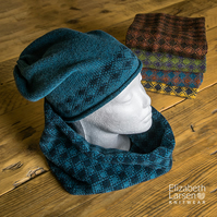 Dark blue and teal cowl. Wool infinity scarf. Neck Warmer. Unisex cowl.