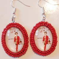 """Dreaming"" graphic cabochon earrings"