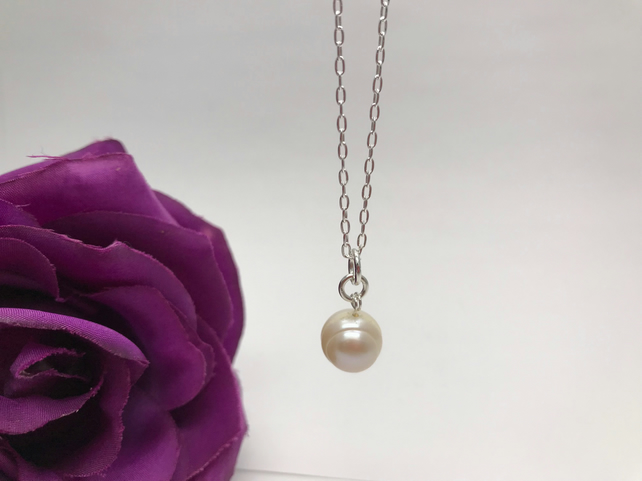 Pearl NecklaceMother's Day Valentine's Day Gift FREE POSTAGE