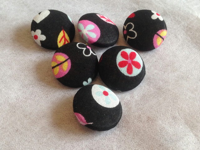 25mm, Large, Black, Cotton, Fabric Covered Buttons - Choice of Pack Size