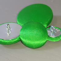 6 x 25mm Green Satin Covered Fabric Buttons