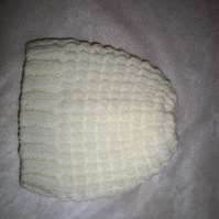 BABY HAT to fit 0-3m IN NATURAL ARAN