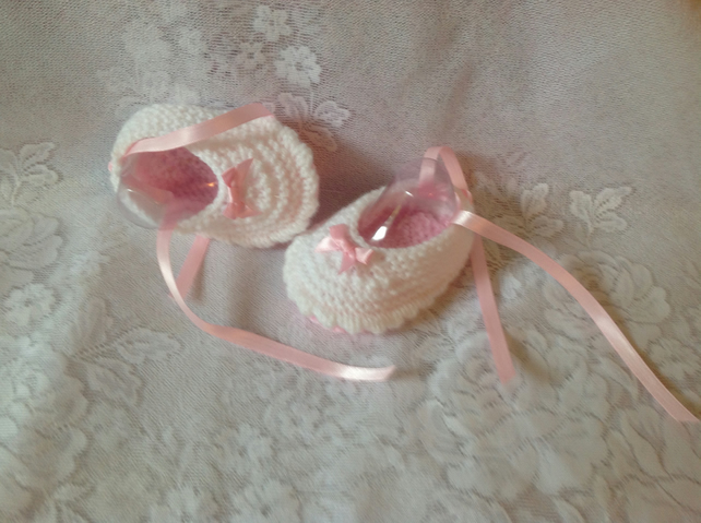 Baby shoes to fit 3-6m