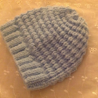BABY HAT to fit 6-9m in BLUE