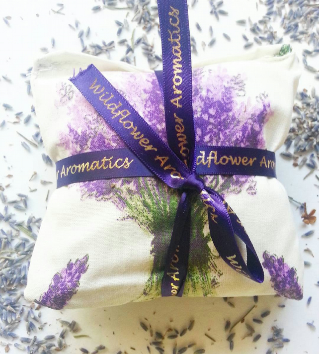 Lavender scented sachets with lavender flowers - pack of 2