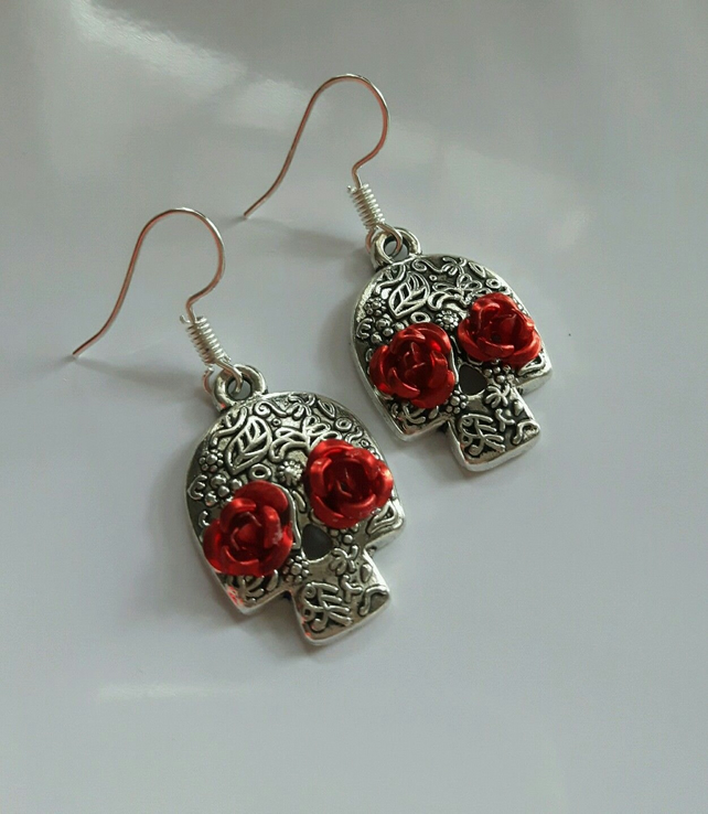 DAY OF THE DEAD sugar skull earrings RED ROSE detail