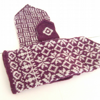 Hand knitted Latvian mittens for women