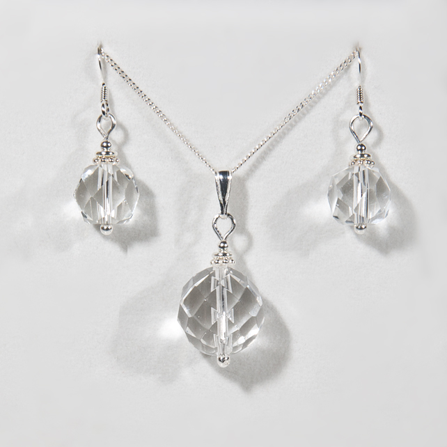 SALE! Pendant & earrings set, Crystal Quartz pendant & earrings, Wedding set