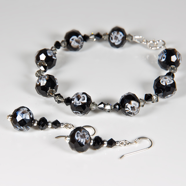 SALE! Black bracelet & earrings set, Millefiore glass & Swarovski® jewellery