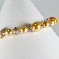 Gold bracelet, Swarovski® wedding bracelet, Pearl bracelet, Prom or wedding