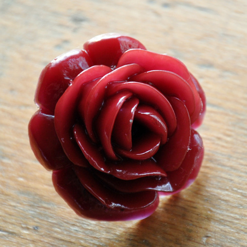 Huge resin rose ring - lipstick red