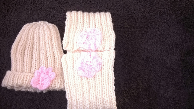 Girls hat and scarf
