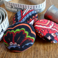 Upcycled fabric buttons (3 pack)