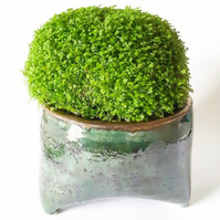 Ceramic Plant Pot Holder with Three Feet
